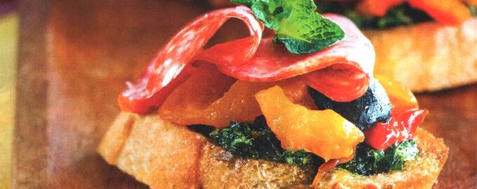 Каталонские (испанские) пинчос с колбасой и сладким перцем – пошаговый рецепт с фото