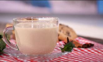 Молочный чай по-шотландски с мёдом и яичным желтком – пошаговый рецепт с фото