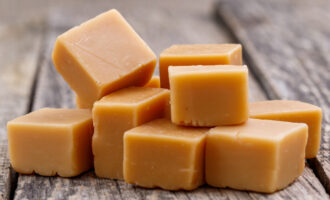 Ириски из сливок и сахара – пошаговый рецепт с фото