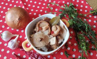 Маринованные грузди – пошаговый рецепт с фото