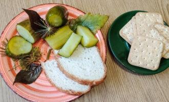 Малосольные огурцы с хлебом – пошаговый рецепт